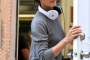 katie-holmes-beats-by-dre-headphones