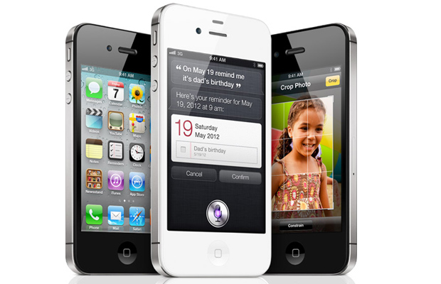 iPhone 4S sells out
