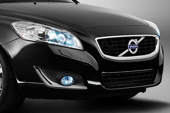 Volvo C70 Inspiration Edition Unveiled Coupe Front