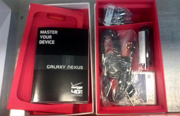 Galaxy Nexus Packaging Inside Accessories