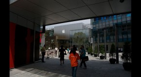LOL: Beijing Apple Store Egged After iPhone 4S Launch Cancelled