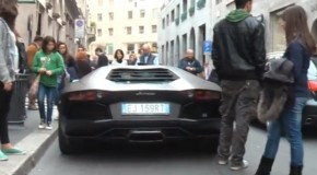 Lamborghini Aventador Spotting Draws Huge Crowd On Street [Video]