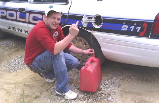 2012 Social Media Fails Kid Steal Cops Gas Facebook
