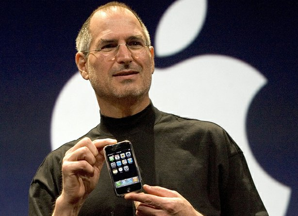 steve-jobs-macworld-2007-iphone