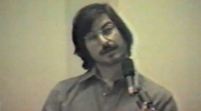 Rare Steve Jobs Presentation Footage Unveiled 32 Years Later