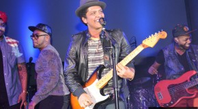 [Gallery] Samsung Galaxy S4 Launch Event With Bruno Mars